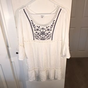 Bohemian lace embroidered tunic